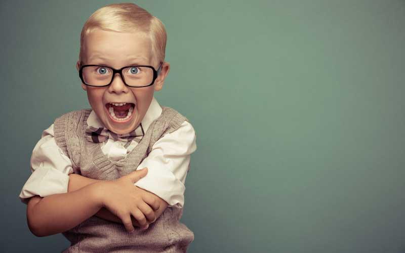 Photo d'une enfant drôle